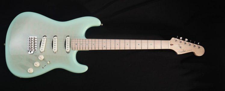 SurfBurst-Stratocaster-PW-P1210248